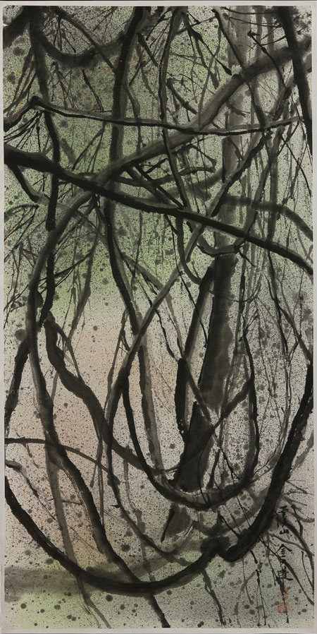 Lively spatters, brushstrokes and movement evoke the density of the forest and the randomness of its structure.